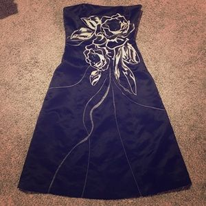 Strapless Sexy WHBM Satin Embroidered dress size 0